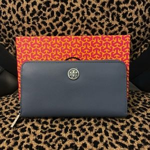 NEW Rare Blue Tory Burch Robinson Wallet